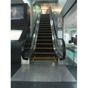 tips-aman-di-escalator